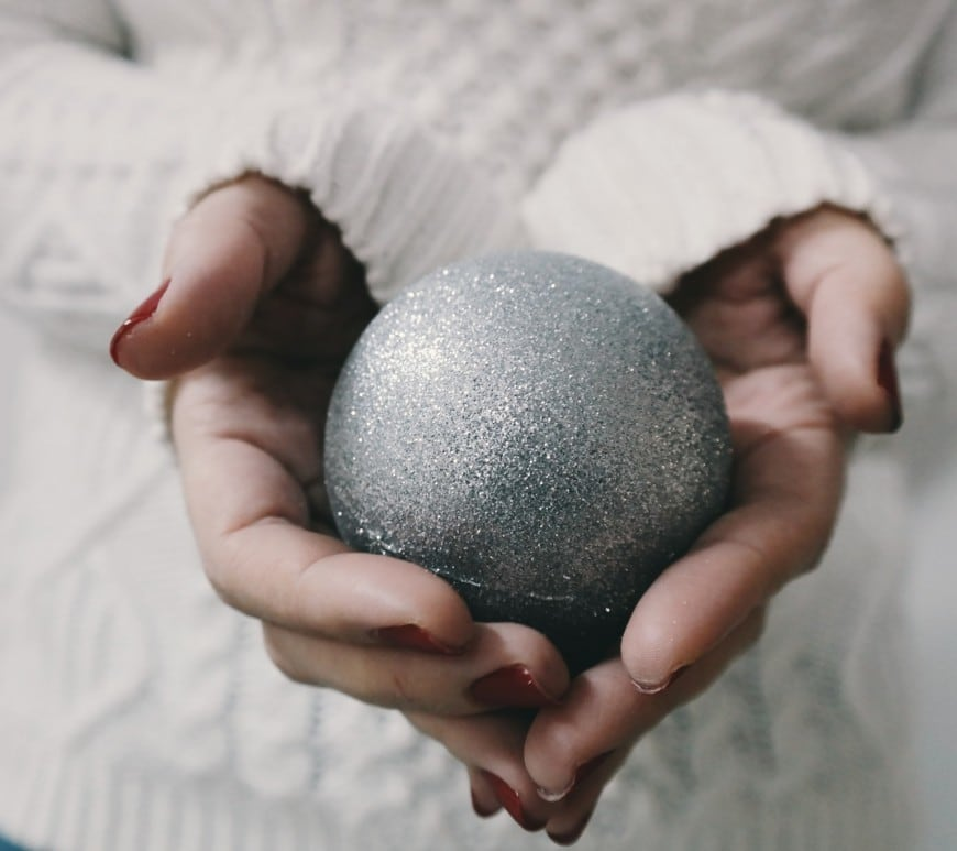 Travel Linkup; 24 Festive Traditions and a Christmas Giveaway