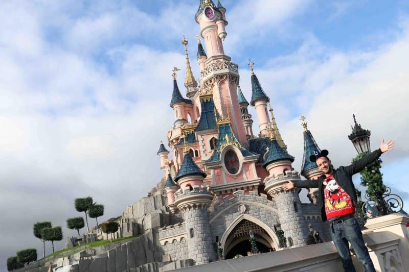 surprise Christmas trip Disneyland paris