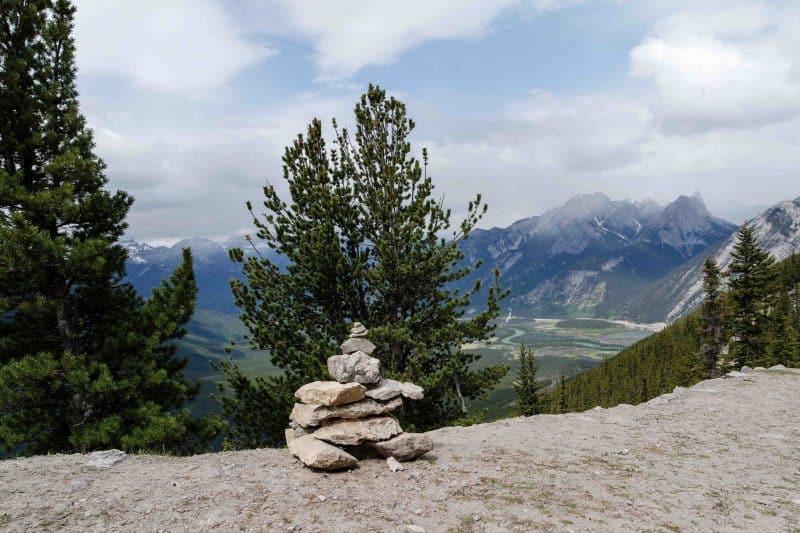 banff rock statue