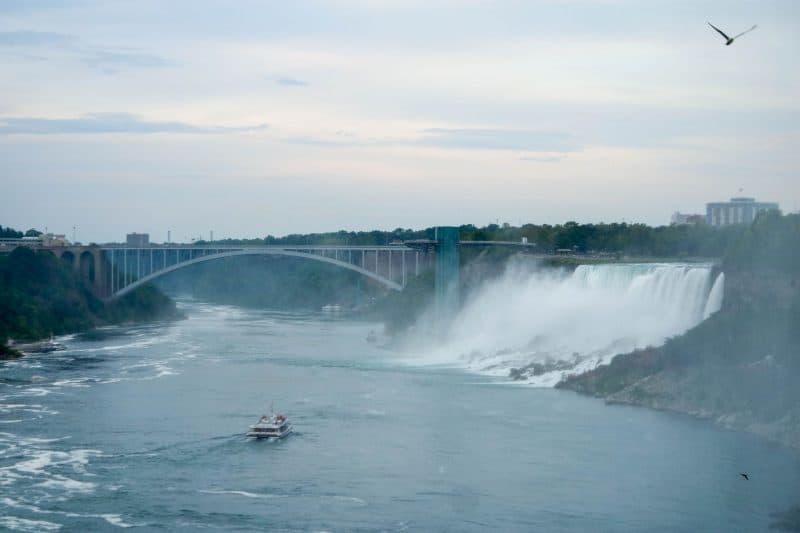 How not to see Niagara Falls